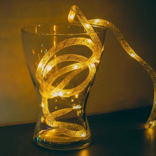 Karácsonyi fényfüzér - melegfehér / ezüst szállal - 2 m - 2 x AA